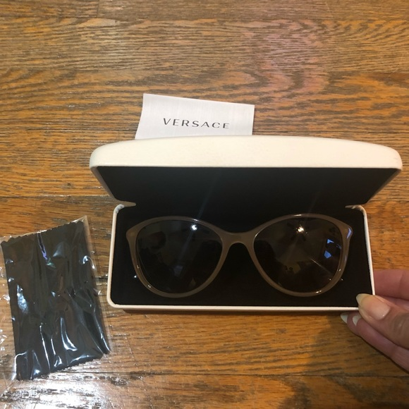 9a60e5a707 Versace 4251 Sunglasses in Brown. M 5c4792f5d6dc5270ee996ad1